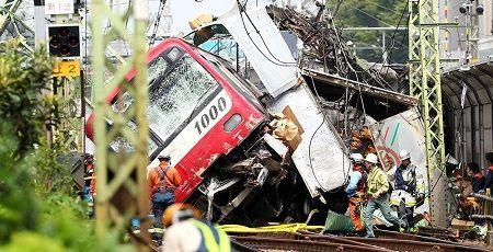 【京急線脱線事故】マスコミ「京急の安全対策はどうだったの?」 鉄オタ「!!!」シュバババ
