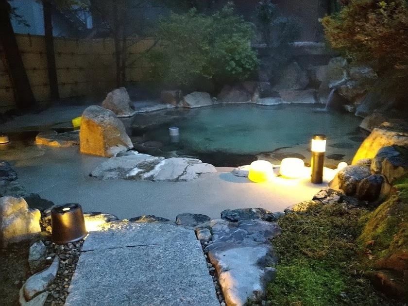 露天風呂 夜2