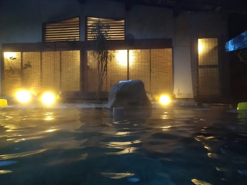 露天風呂 夜1
