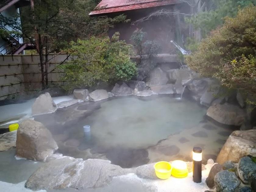露天風呂 昼1