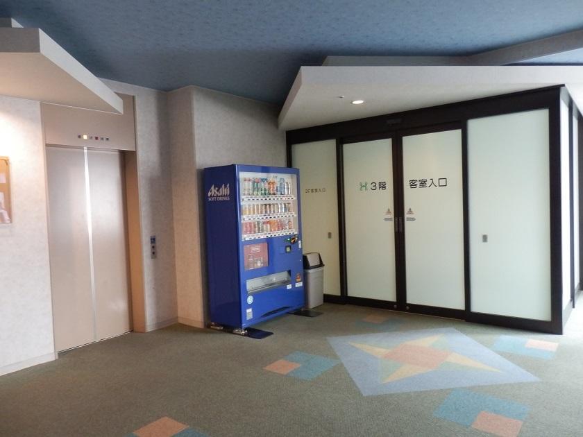 館内 客室入口