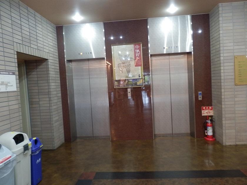 館内 エレベーター