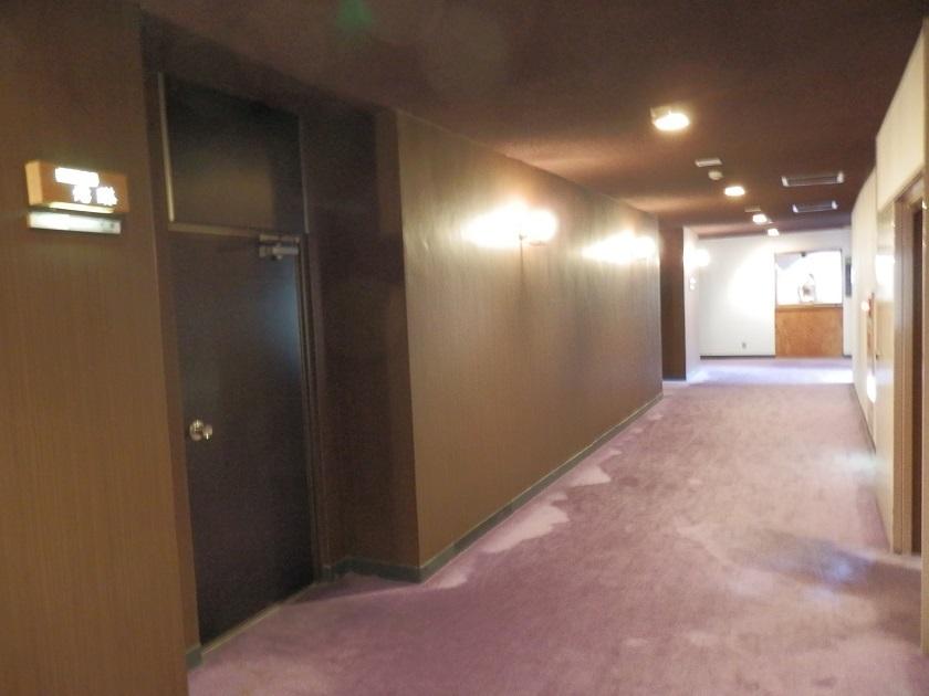 奥殿棟客室階廊下