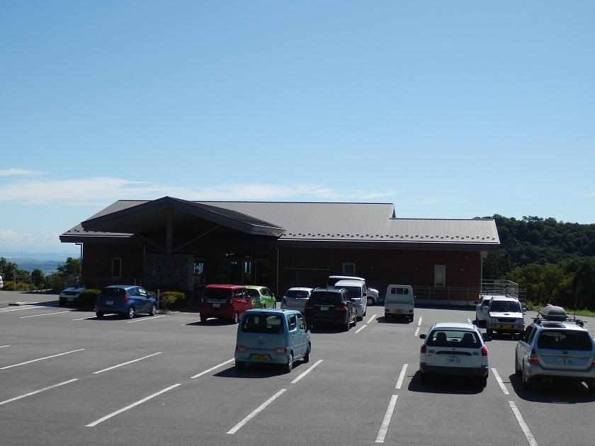 山上館前 駐車場